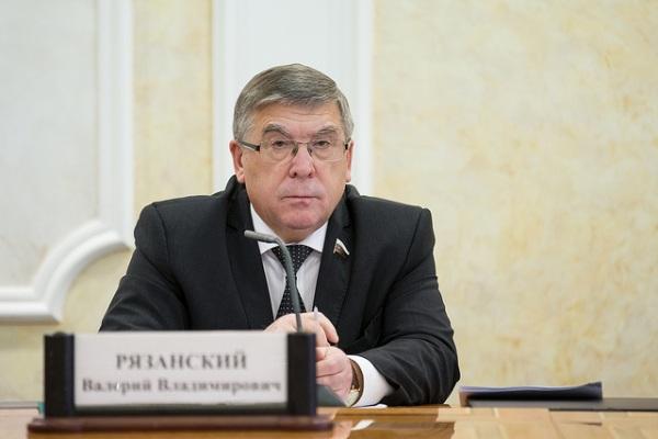 Сенатор от Курской области предложил выделить россиянам дополнительный выходной